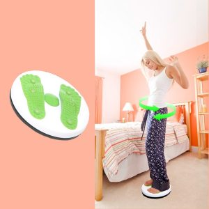 modella che mostra l'utilizzo del Disco Twist Attrezzo ginnico per la torsione del busto